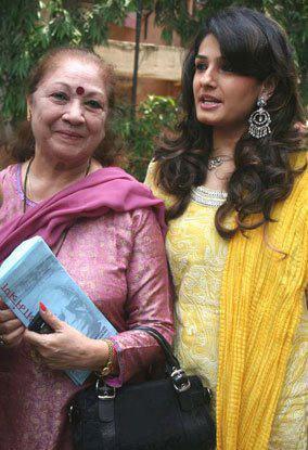 Raveena Tandon With Sweetest Mother Veena Tandon