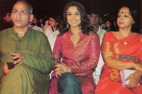 Vidya Balan With Parents at A Function