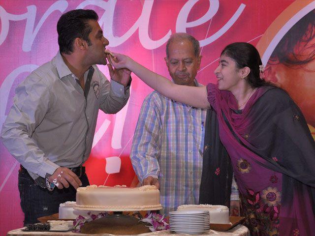 Salman Khan Celebrate The Magic Bullet