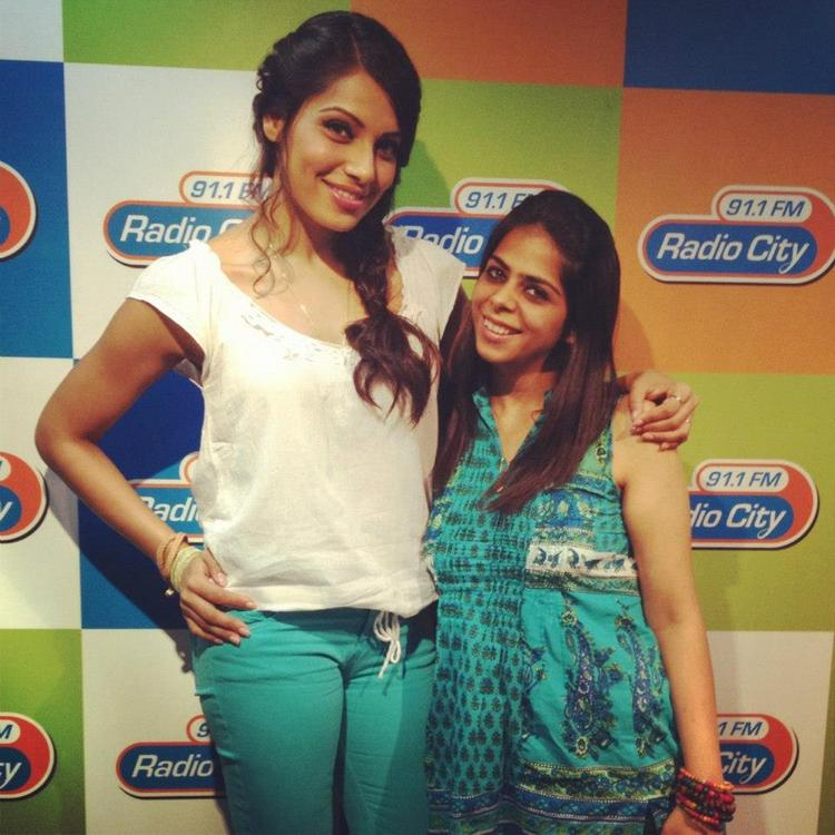 Bipasha Basu Pose During Promotion Of Raaz 3 at Various Radio Stations