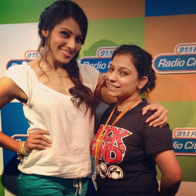 Bipasha Basu Promotes Raaz 3 at 91.1 Radio Stations