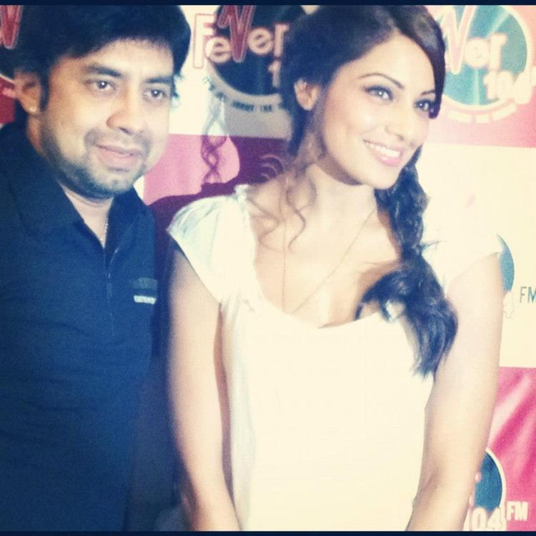 Bipasha Basu Promotes Raaz 3 at Various Radio Stations