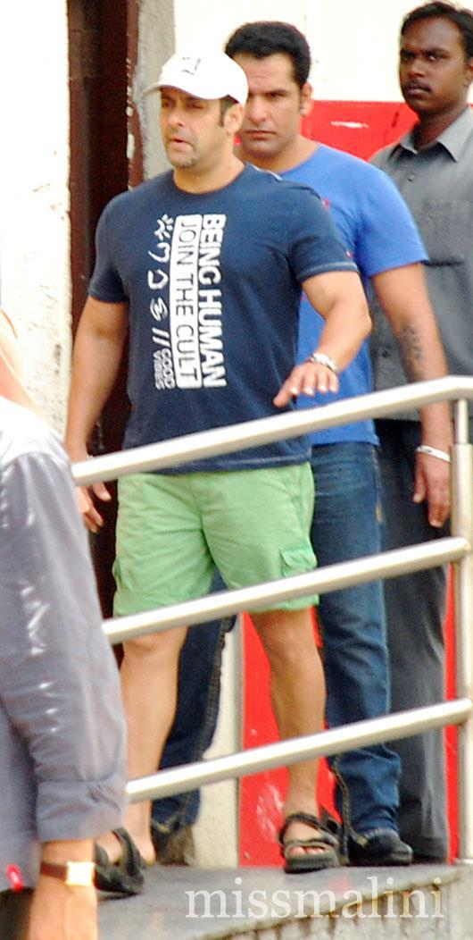 Salman Khan Watches Ek Tha Tiger