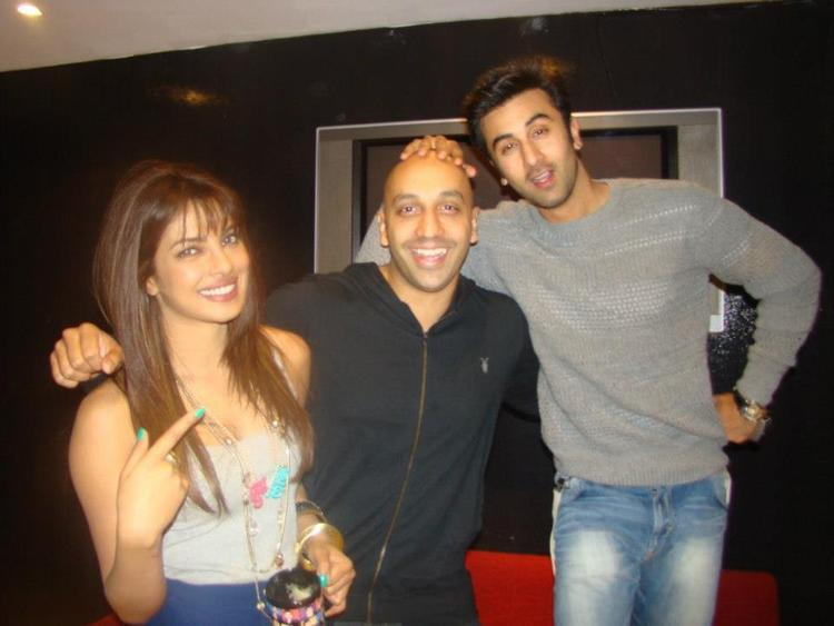 Ranbir and Priyanka Pose During The Promotion Of Barfi
