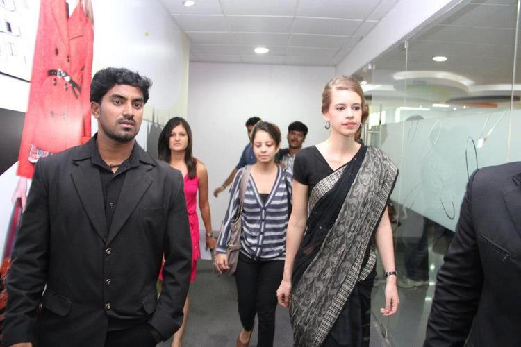Kalki Koechlin Looks Hot In Black Saree