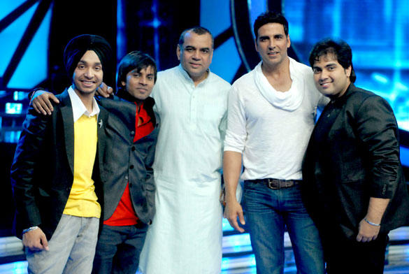 Akshay Kumar and Paresh Rawal Promote Oh My God Movie On TV Reality Show Indian Idol