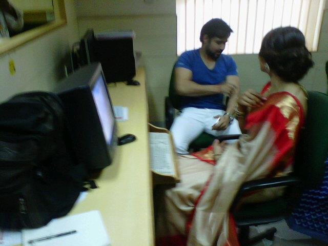 Bipasha and Emraan At The T2 Office In Kolkata
