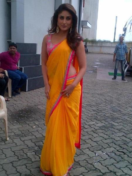 Kareena Looks Sexy In Saree On The Sets Of Indian Idol For Heroine Promotion