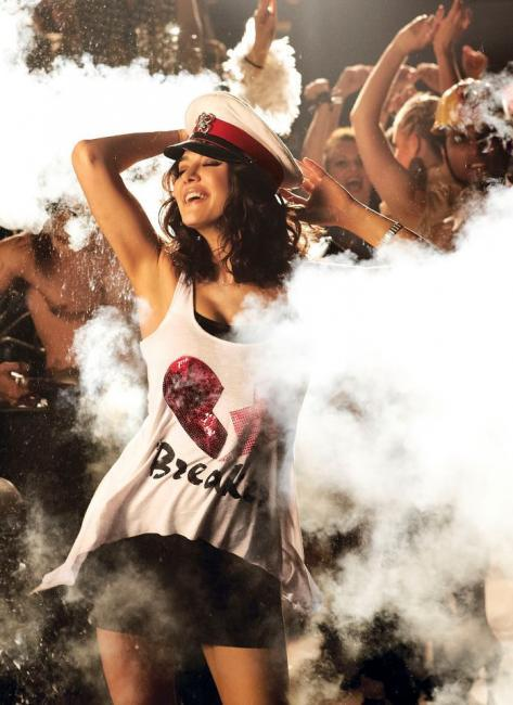 Preity Zinta Dancing Pic In Ishkq In Paris