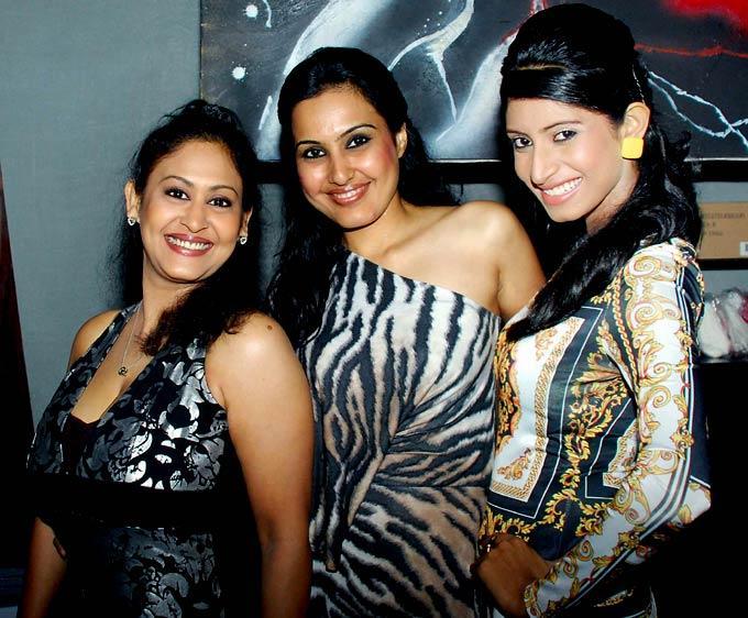 Vindhya,Devyani and Kamya Strikes A Pose During Raqesh Vashisth Birthday Party