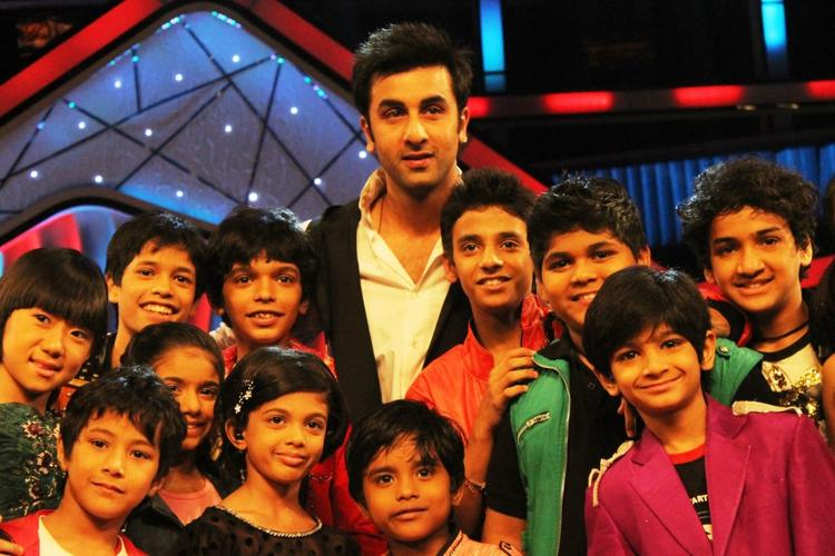 Ranbir Promote Barfi On The Stage With Dance Ke Superkids