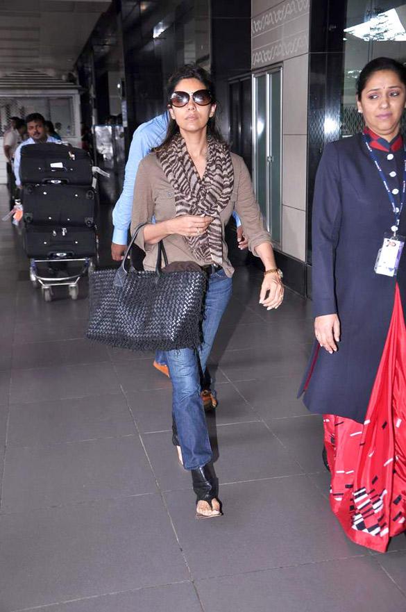 Gauri Khan Snapped at International Airport
