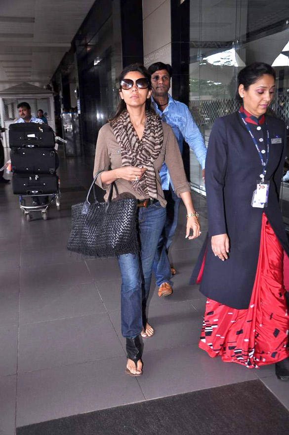 Gauri Khan Spotted at International Airport