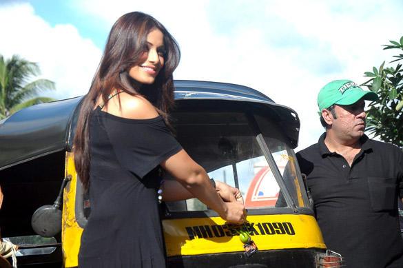 Bipasha Basu Ties Chillies and Lemons To Auto Rickshaw Dashboards For Raaz 3 Promotion