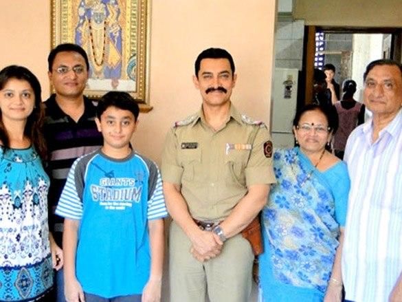 Aamir Khan Nice and Sweet Pic On The Sets Of Talaash