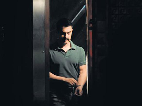 Aamir Khan On The Sets of Talaash