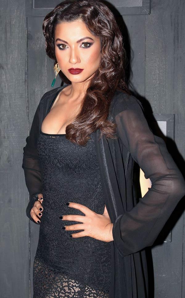 Gauhar Khan in Neeta Lulla at Blenders Pride Fashion Tour 2012