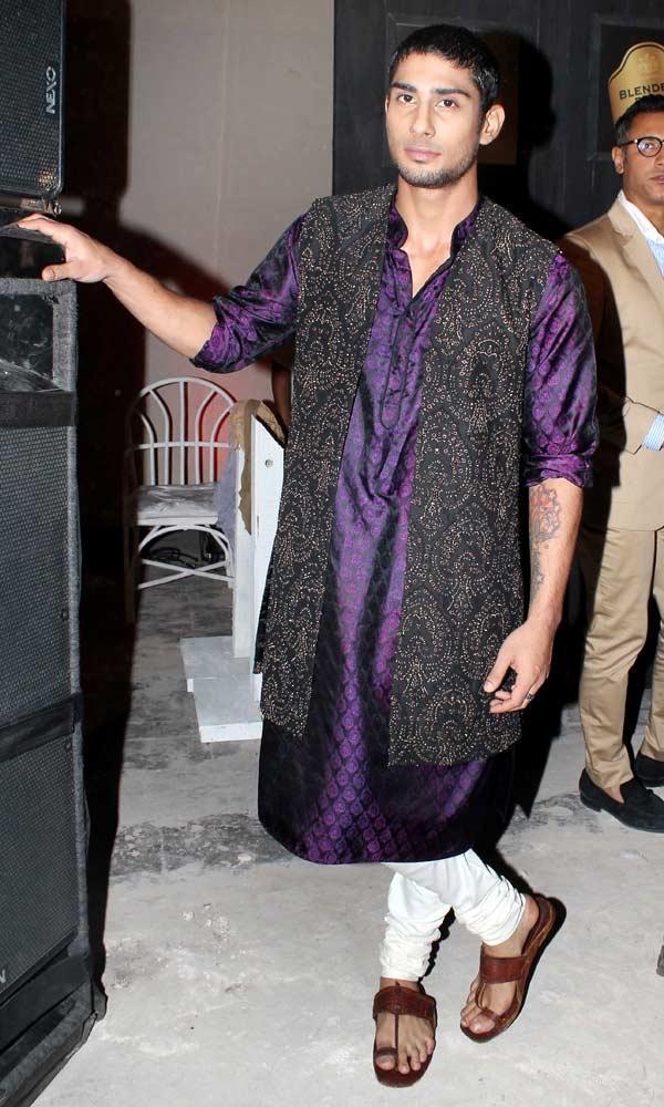 Prateik Babbar At Sneak Preview of Blenders Pride Fashion Tour 2012