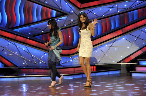 Priyanka and Ileana Spotted at Dance Ke Superkids Show For Barfi Promotion