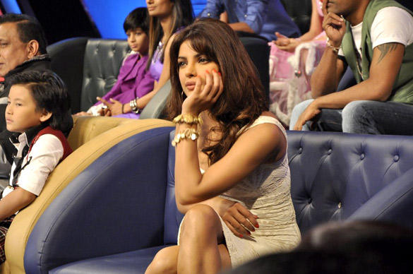 Priyanka Chopra at Dance Ke Superkids Show For Barfi Promotion