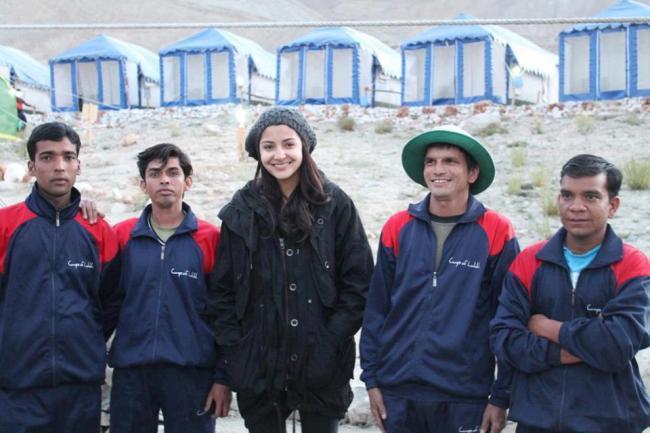 Anushka Sharma Pose During The New Movie Shoot