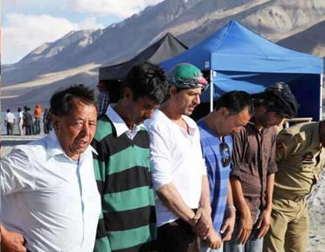 Shahrukh Khan at Ladakh For His New Movie Shoot