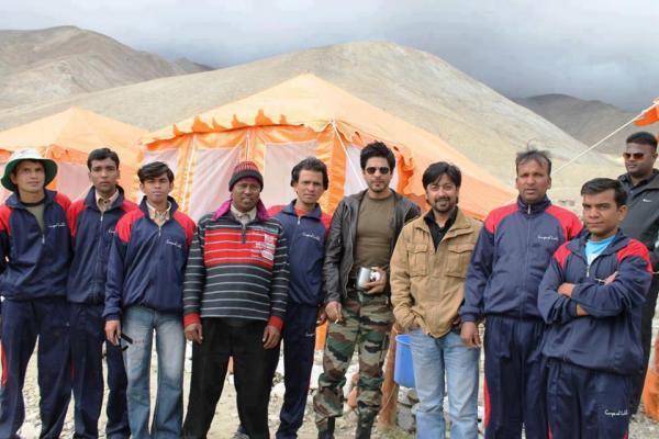 Shahrukh Khan Pose During The New Movie Shoot