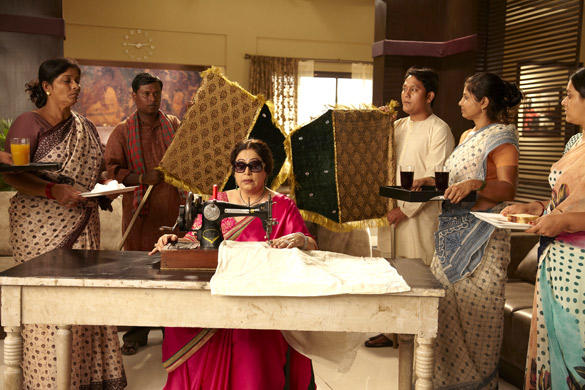 Kirron Kher's VIP Treatment in Ajab Gazabb Love Movie