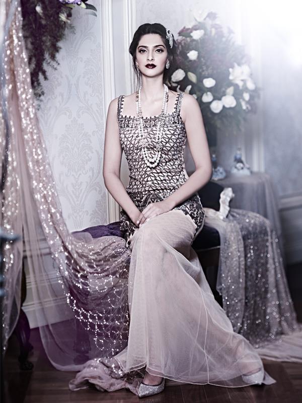 Sonam Kapoor Awesome Still For Designer Shehla Khan