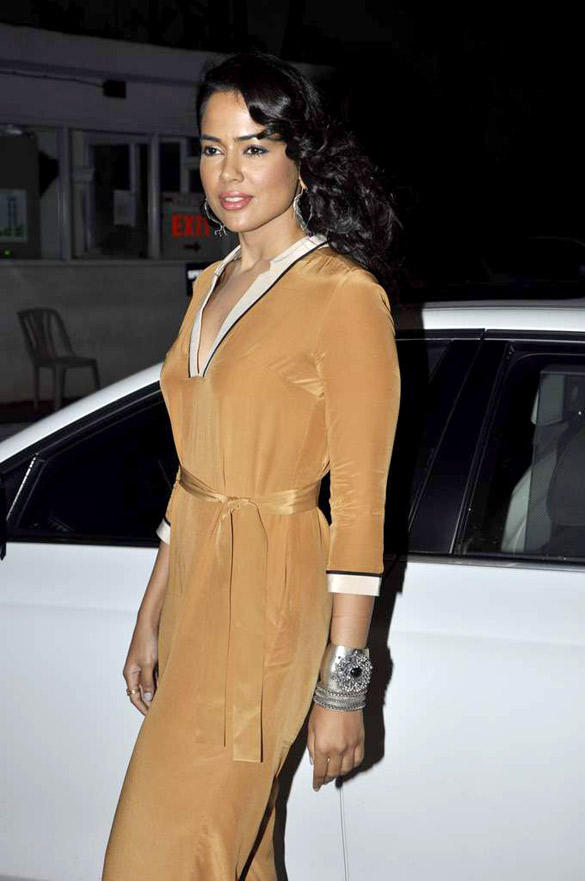 Sameera Reddy Spotted at Dr. Batra's Book Launch On Hair Care