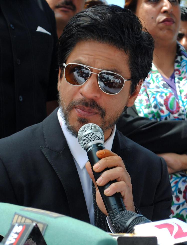 Superstar Shahrukh Khan at Press Conference Held in Srinagar