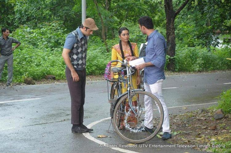 Ranbir Kapoor Promotes His Movie Barfi On The SetsOf TV Show Phir Subah Hogi