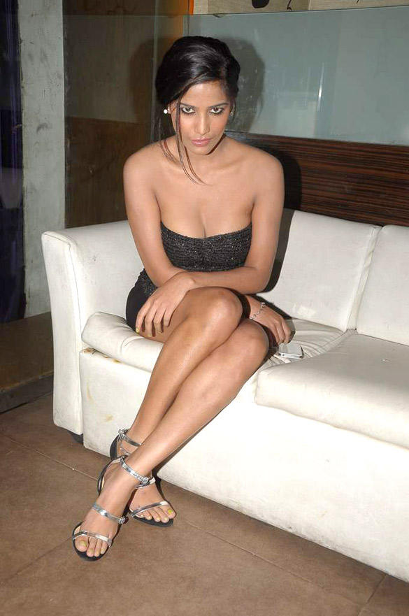 Sexy Babe Poonam Pandey During Hot Model Maushmi Badra's Birthday Bash