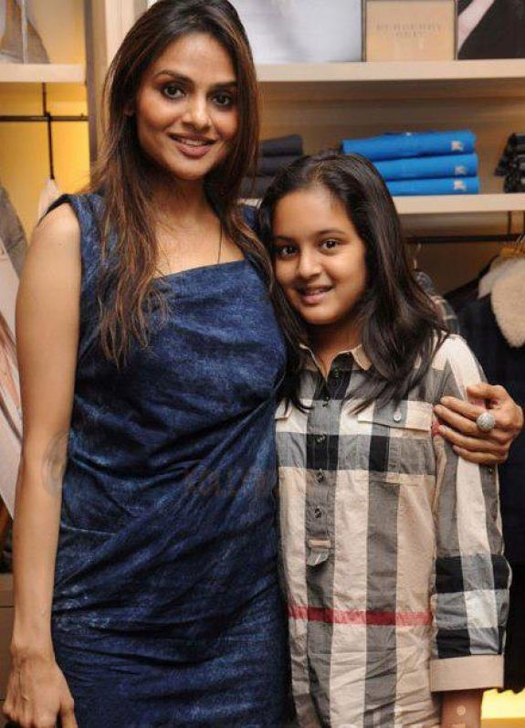 Madhoo Shah With Her Daughter Ameya Shah