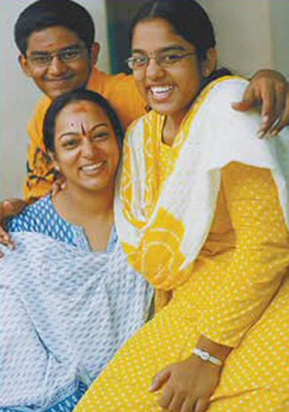 Tamil Actress Nalini Pose With Her Daughter and Son