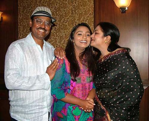 Tamil Actress Poornima With Hubby and Daughter