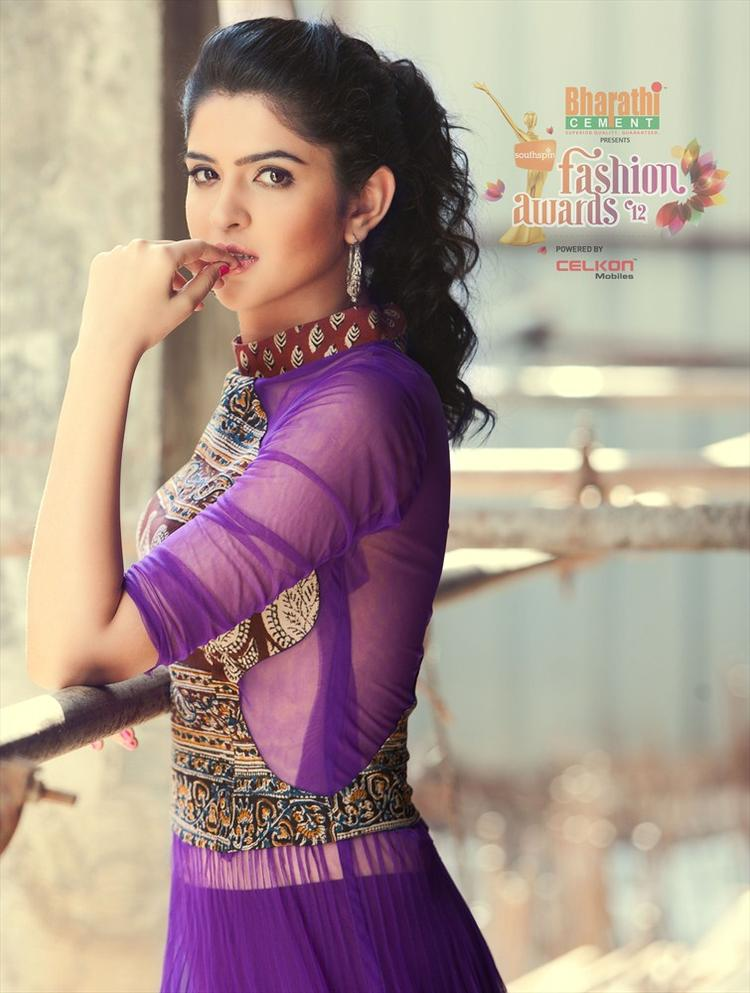 Deeksha Seth in Southspin Fashion Awards 2012