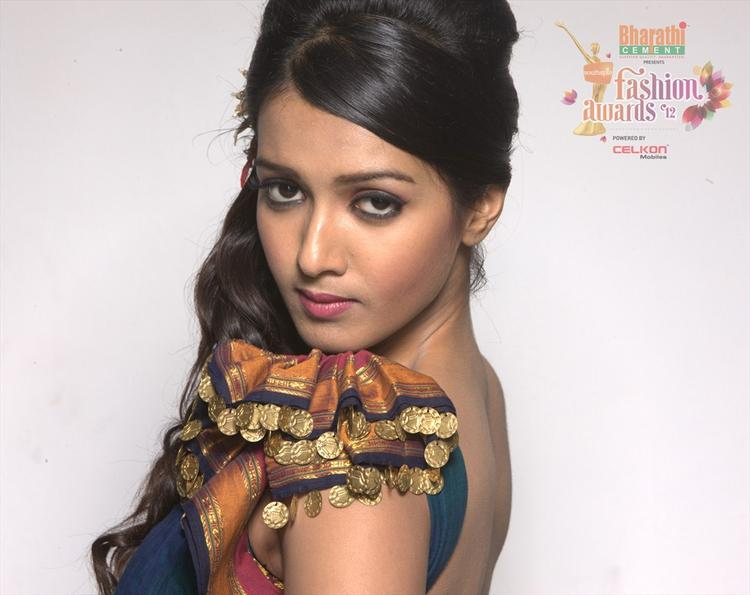 Madhu Shalini In Southspin Fashion Awards 2012 Calendar