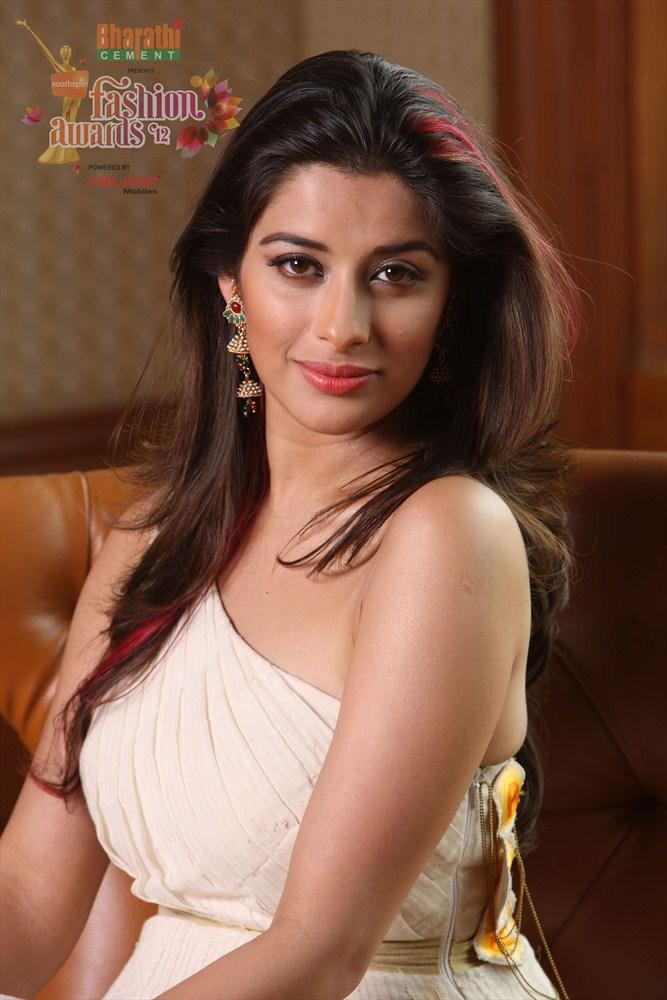 Madhurima in Southspin Fashion Awards 2012 Calendar