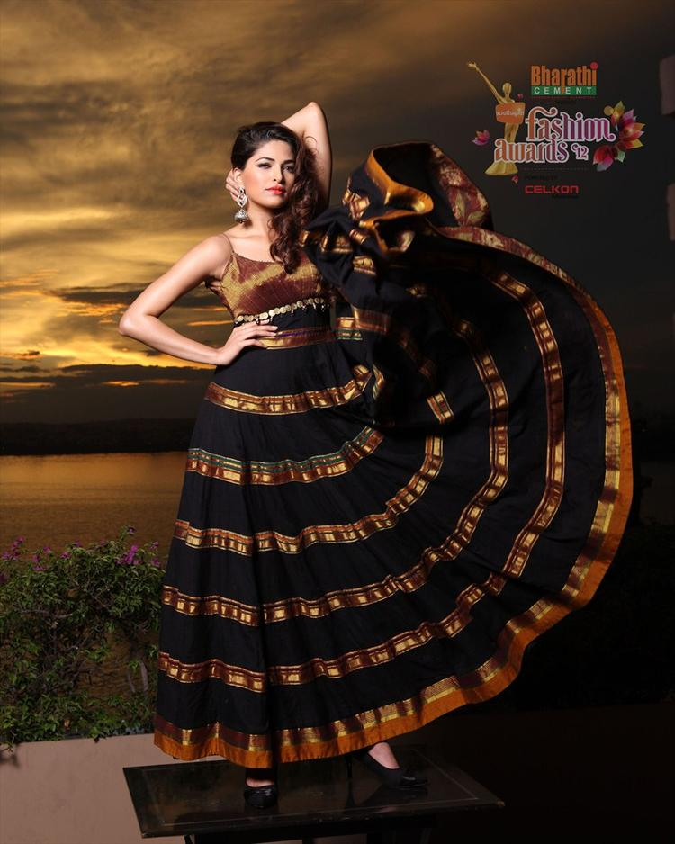 Parvathy Omanakuttan Latest Pose For Southspin Fashion Awards 2012 Calendar