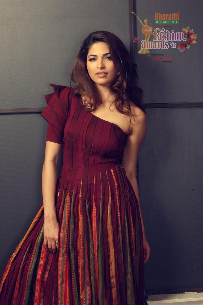 Parvathy Omanakuttan In Southspin Fashion Awards 2012 Calendar