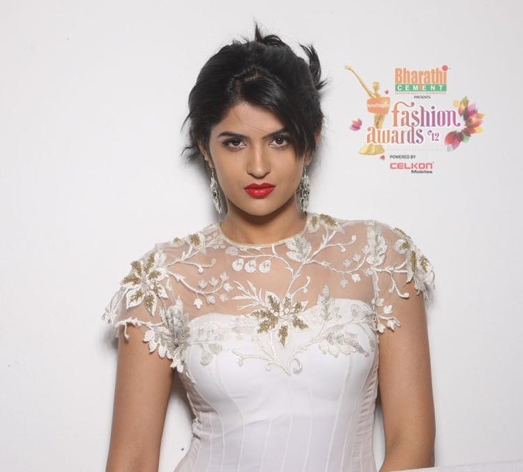 South Actress Deeksha Seth in Southspin Fashion Awards 2012
