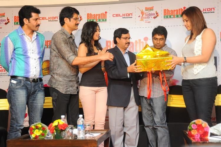 Celebs at Southspin Fashion Awards Press Meet 2012