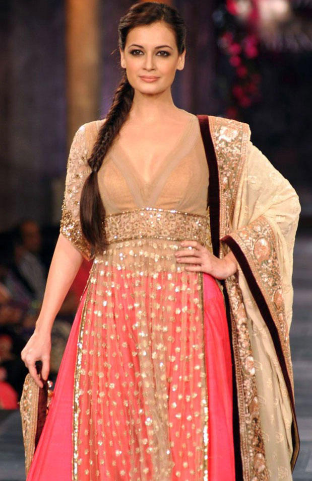 Dia Mirza On The Ramp at Mijwan Hot Fashion Show