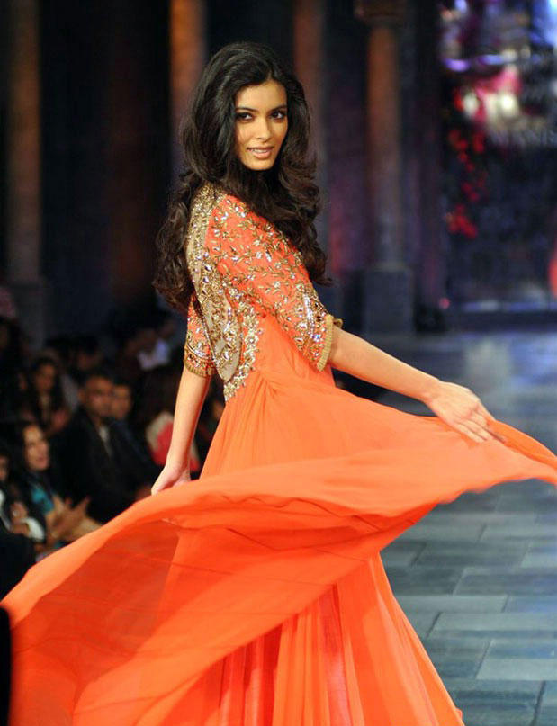 Diana Penty At Mijwan-Sonnets in Fabric Fashion Show 2012
