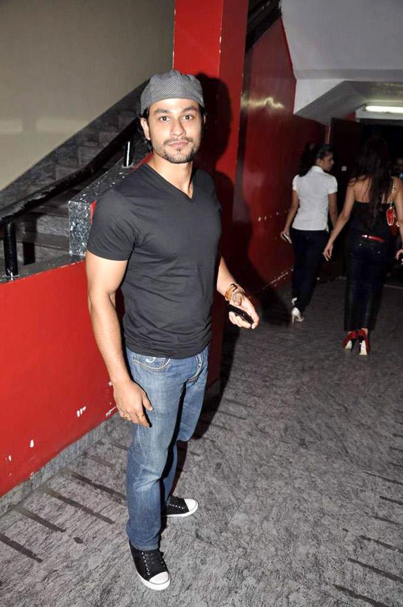 Kunal Khemu Snapped at The Screening Of Raaz 3