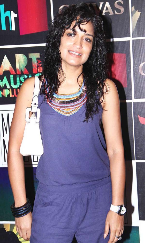 Sandhya Mridul at Chivas Art And Music Unplugged Event