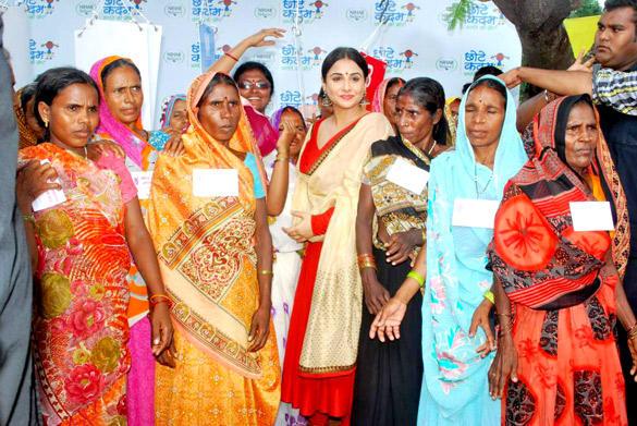 Vidya Balan Promoting Her Film Kahaani On The Sets Of Uttaran  Memsaabcom-2311
