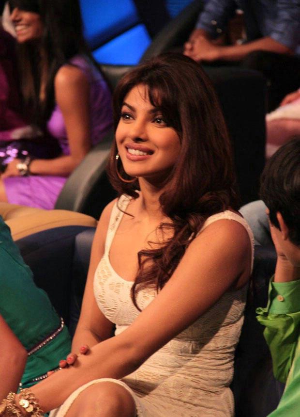 Gorgeous Priyanka Chopra at DID Dance Ke Superkids Show For Barfi Promotion