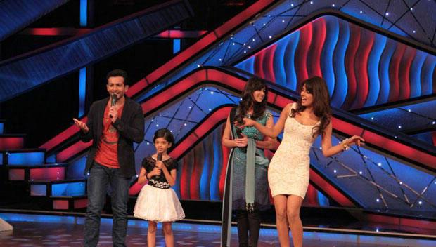 Ileana and Priyanka Having A Fun During Barfi Promoting at DID Dance Ke Superkids Show